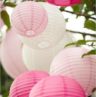 Papirlanterner i tre hvitt og rosa