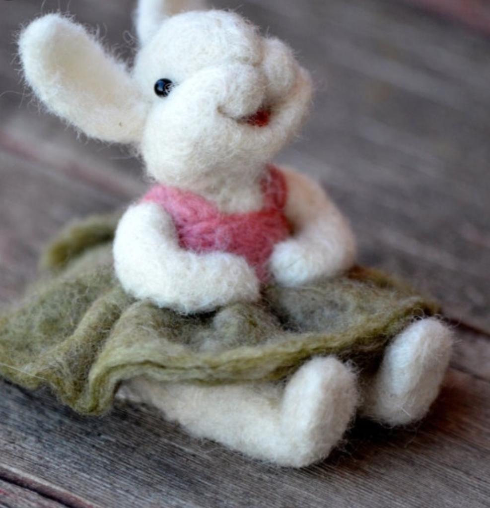 nålefiltet kanin jente påske