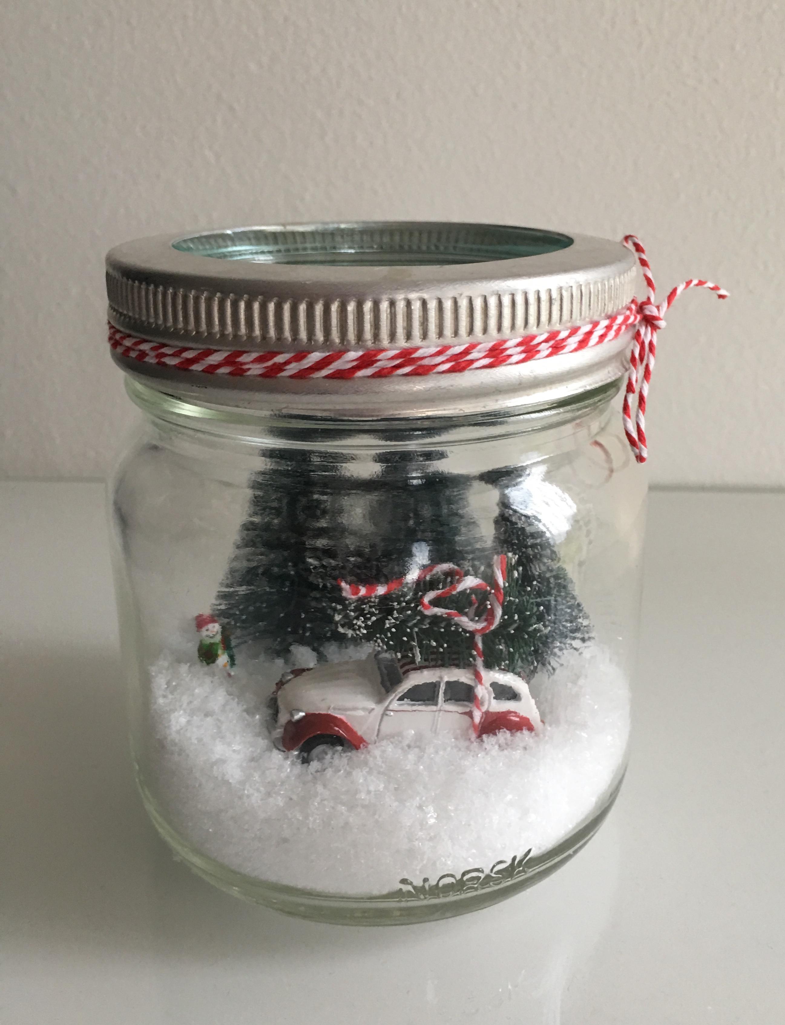 julebil i norgesglass snø og trær hjemmelaget julepynt lindaslilleverden